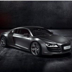 Elegant Audi R8 has Class!