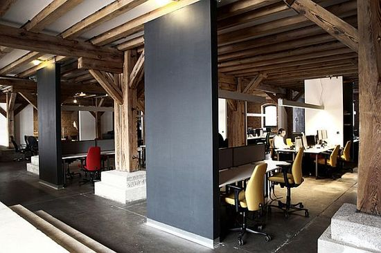 Who wouldn't want to work here each day? Great use of natural beams.  XSolve Office Design 16