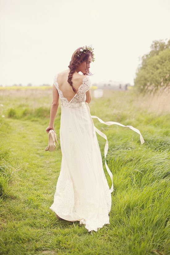 'Queen Annes Lace' gown by Claire Pettibone available at @Everthine Bridal Boutique www.clairepettibo...