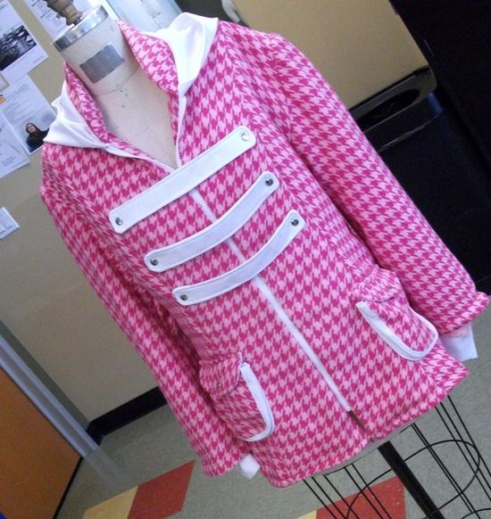 jacket in pink...