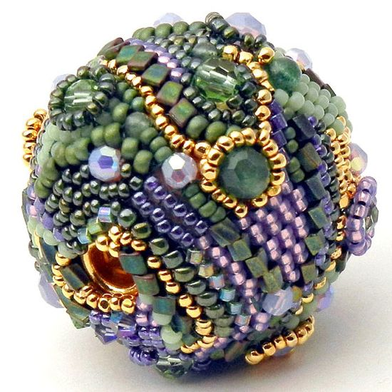 This is one gorgeous beaded bead!!