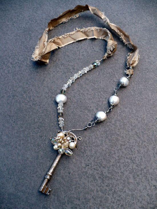 Love ribbon chain