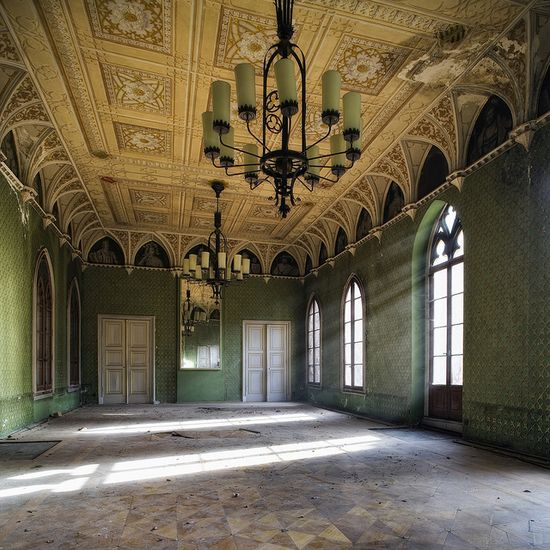 Gorgeous room in an abandoned castle in Germany