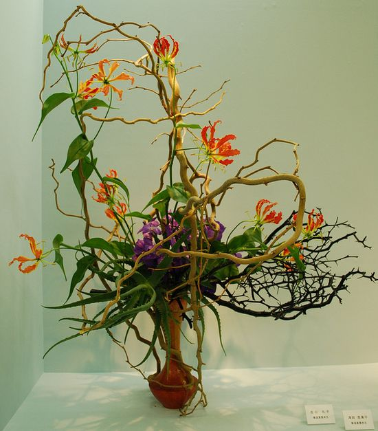 Ikebana Exhibition in Osaka by Mai Wakisaka Photography, via Flickr