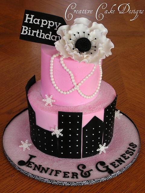 Buttercream New York cake by Creative Cake Designs (Christina), via Flickr