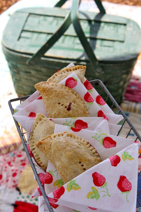 Strawberry pies ~ What a cute picnic
