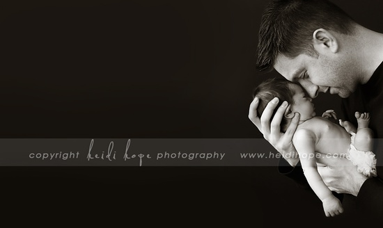 © Heidi Hope Photography #photographer #photography #portrait #baby #newborn #family #dad