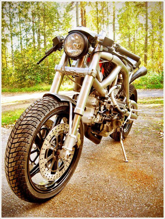 J.L. Mekaniikka's '996 Compressore' - Supercharged Ducati - via Pipeburn