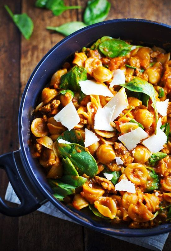 Simple San Marzano Pasta e Fagioli by pinchofyum: A nutritious and flavorful dinner for the busiest time of the year. #Pasta #Easy #Healthy #Chicken_Sausage #Beans