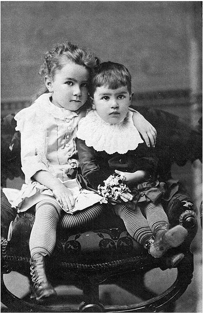 The loving protection and embrace of a big sister... #children #kids #Victorian #portrait #19th_century #1800s #vintage #antique #cute