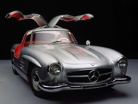 1954 Mercedes-Benz 300 SL Gullwing.