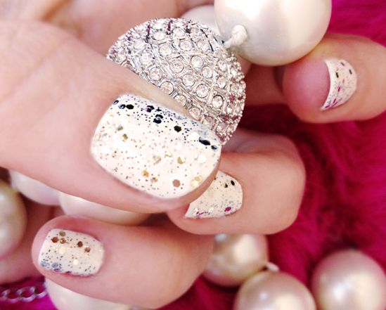 silver & gold glitter manicure