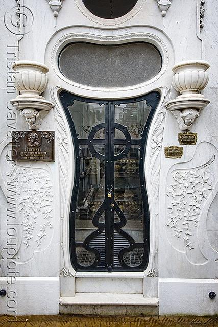 Art Nouveau Tomb Door - Vilas Lopez - Recoleta Cemetery (Buenos Aires)