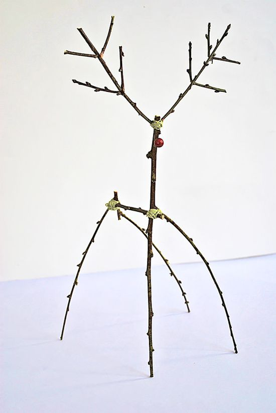DIY Woodland Reindeer (using twigs)