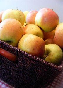 How to Freeze Apples #freezercooking #summer #oamc