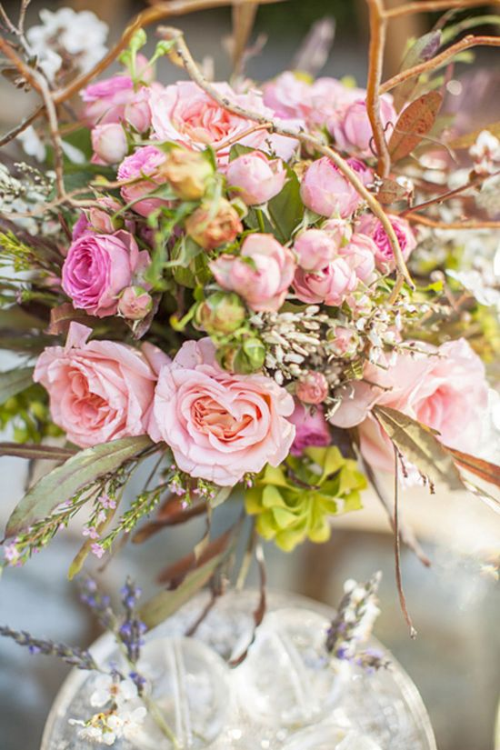 vintage-inspired florals // photo by Blue Lace Photography // flowers by Tessa's Garden