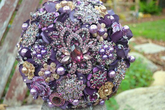 Broach bouquet. I want to make one