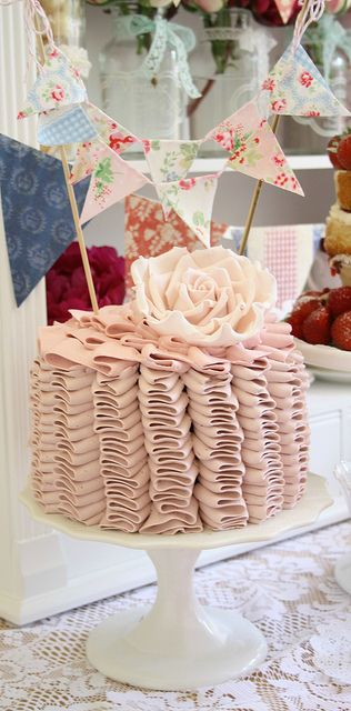 Ruffle cake by Cotton and Crumbs, via Flickr