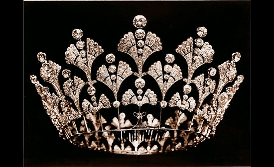????(???•Aussiegirl Boucheron, the Queen Mother's diamond coronet 1901