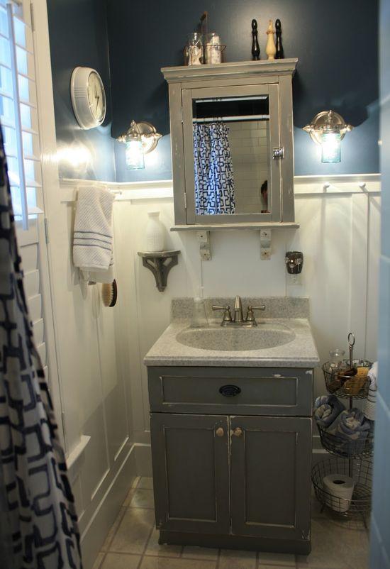 Robb Restyle: DIY Bathroom Updates