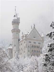 Neuschwanstein Castle - Bavarian Germany (so beautiful in winter)
