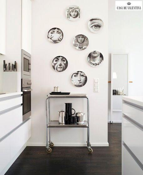 Via Casa de Valentina www.casadevalenti... #details #interior #design #decoracao #detalhes #cozinha #prato #colecao #kitchen #casadevalentina