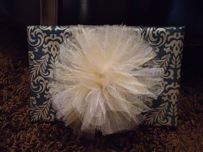 easy tulle gift wrap bow