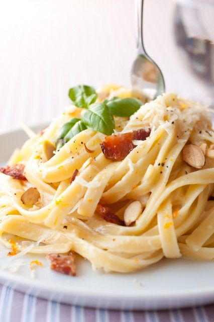 Fettuccine with Bacon, Almonds and Orange - sounds strange but it tastes amazing!! And no it's not sweet. If you like lemon pasta and if you like bacon you will LOVE this pasta.