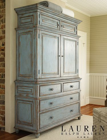 Ralph Lauren Home: Holly Mathis Interiors. You could do this with Chalk Paint™ in Louis Blue, clear and dark wax!