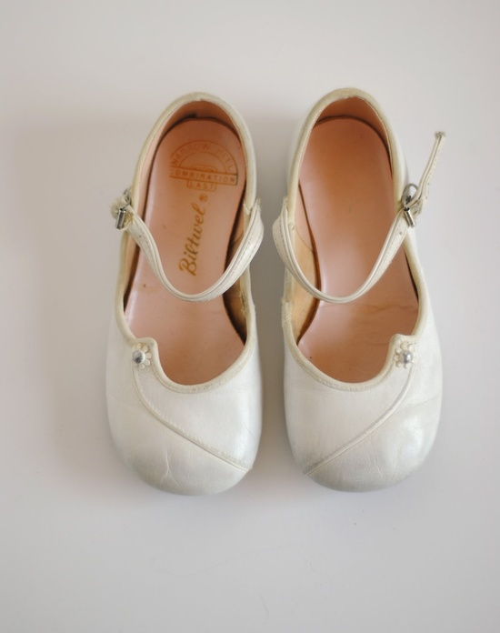 Vintage White Flower Mary Janes