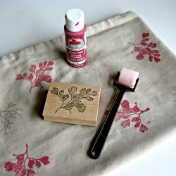 Rubber stamps and acrylic paint is all you need to make your own fabric designs.