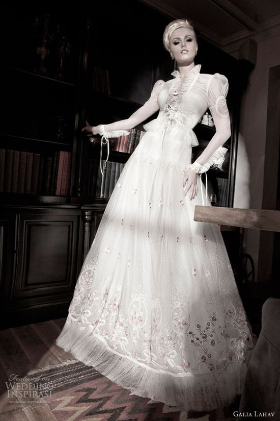#wedding #dress #sleeves #vintage