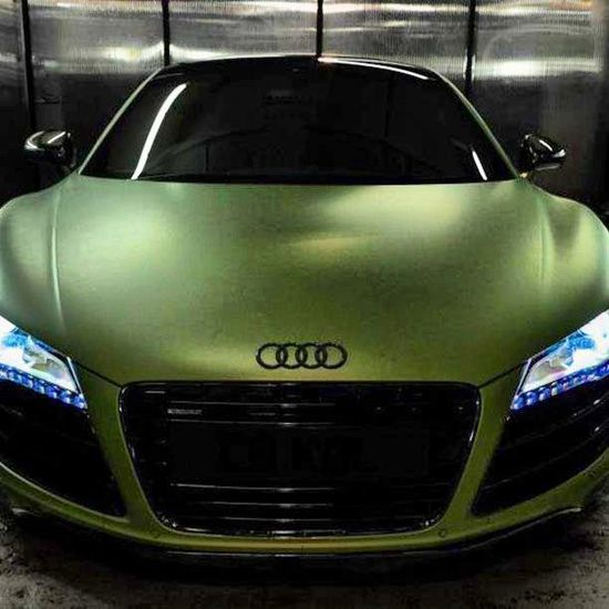 Mean, Audi R8!