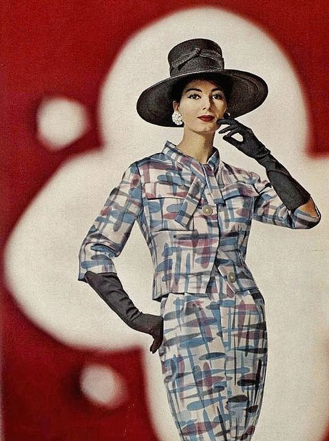 One can see the merging of two very different decades so clearly in this elegant look from 1960. #vintage #1960s #fashion #suit #dress #hat