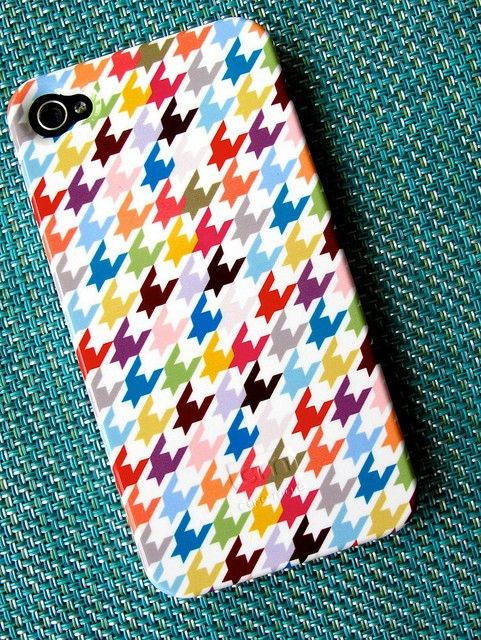 Houndstooth iphone case.