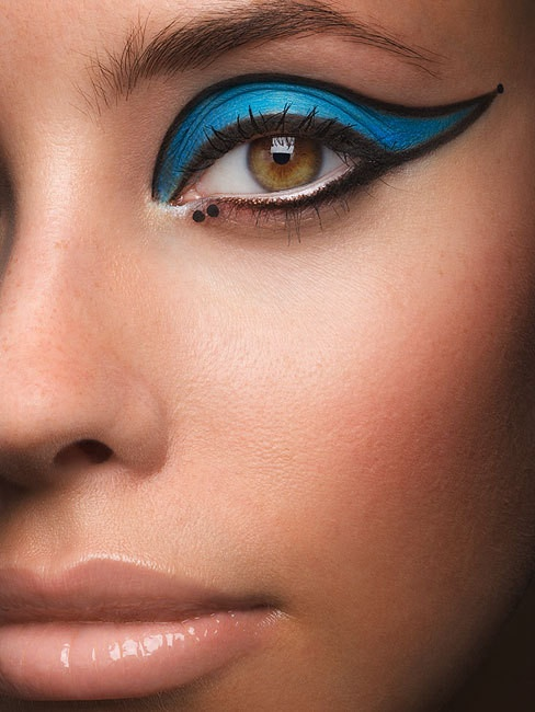 interesting #mirabellabeauty #graphic #eyeliner
