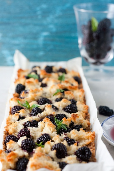 Macaroon Tart with Blackberries