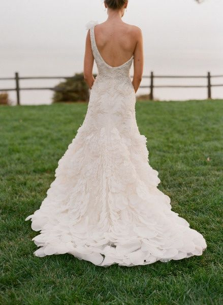 wedding gown / photo by Elizabeth #Romantic Life Style