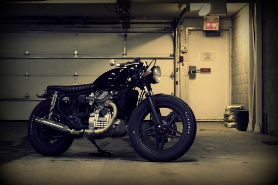 Jonath Forget's 1979 Honda CX500 Custom. - Pretty sure that if I build a cafe racer, it's going to have these tires. Changes the whole demeanor and stance of the bike.