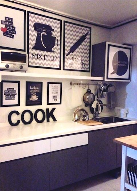 Kitchen: Decor.