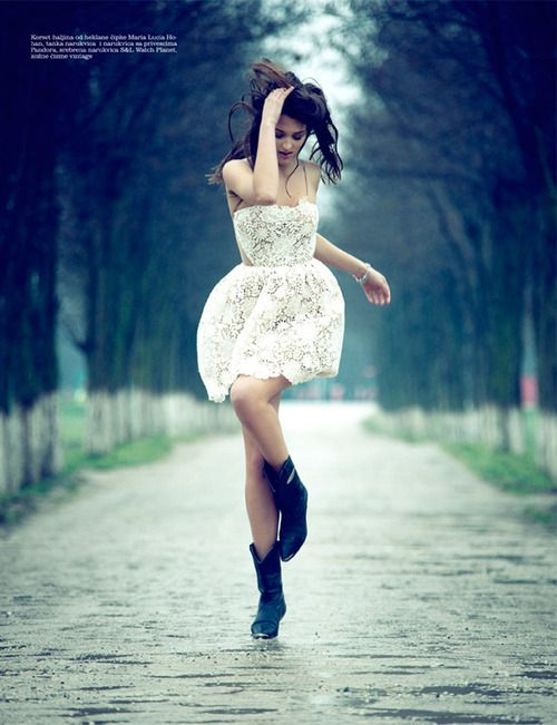 let's dance in the rain! her dress :o