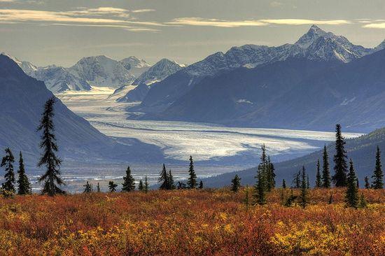 Ледникът Нелчина, планините Чугач, Аляска, САЩ