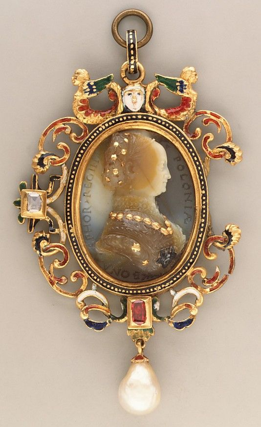 Sardonyx, with gold and silver details; mounted in 19th century as a pendant in gold, with enamel, pearl and ruby
