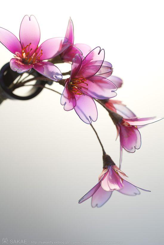???? 2011????? Japanese hair accessory -Cherry Blossom Kanzashi- by Sakae, Japan?  sakaefly.exblog.jp/ www.flickr.com/...