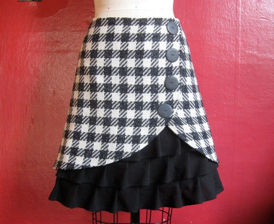 Ruffle Plaid skirt