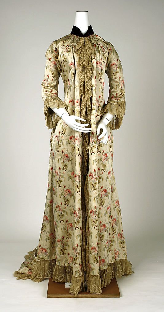 1880s French Peignoir at the Metropolitan Museum of Art, New York