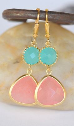 I'm loving these colors together. Very pretty!