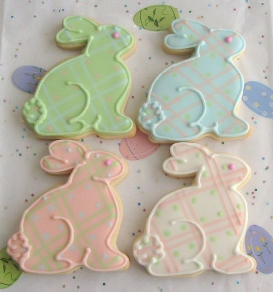 Bunny Cookies  Easter Cookies.  Cute decorating idea.