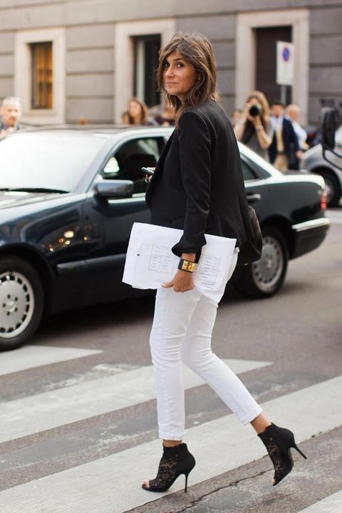 A fresh way to wear your white jeans post Labor Day.