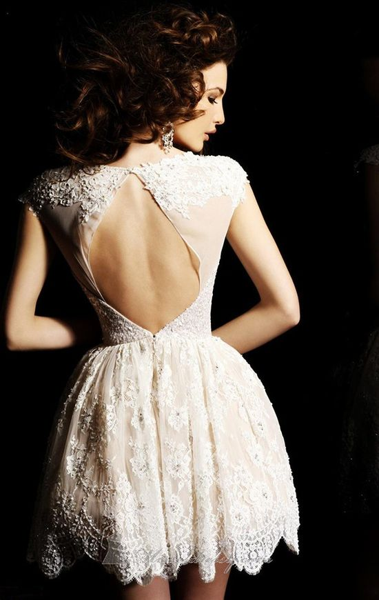 #laceloves #lace loving the open lace back